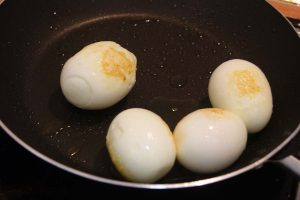 Huevos en salsa