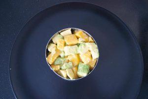 tartar de aguacate y mango vegano